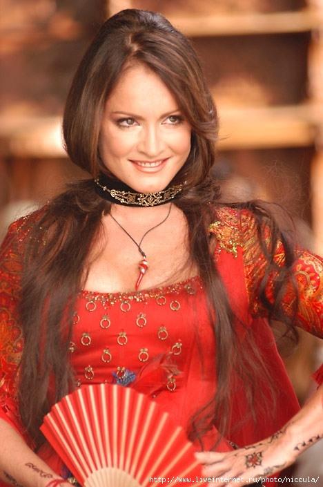 София Ротару - российская, украинская, молдавская певица.